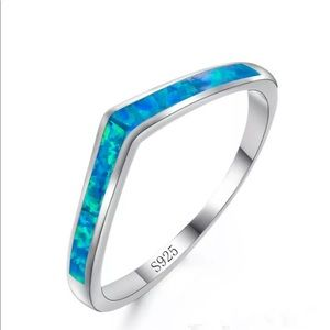 BRAND NEW .925 BLUE FIRE OPAL V RING SIZE 8